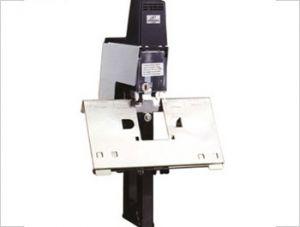 electric stapler 106